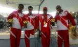 Tim estafet 4x100 meter gaya ganti kategori 34 poin putra meraih emas ASEAN Para Games 2017, Rabu (20/9).