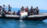Tim Fleet One Quick Response (F1QR) Satuan Tugas Gabungan Komando Armada I menggagalkan upaya penyelundupan benih lobster di perairan Pasir Toga, Batam, Kepri.