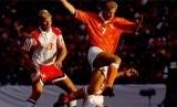 Timnas Belanda membalikkan keadaan untuk memaksa Denmark memainkan duel penalti dalam laga semifinal Piala Eropa 1992. Namun, Belanda akhirnya kalah 4-5.