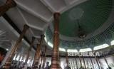 Masjid Agung Al-Falah atau Masjid Seribu Tiang, Jambi.