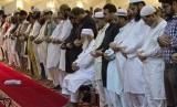 Umat Muslim menggelar shalat tarawih di bulan suci Ramadhan. (ilustrasi)
