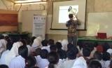 UMY kenalkan budaya wayang untuk siswa Community Learning Center di area perkebunan kelapa sawit Rangu, Tawau, Sabah, Malaysia