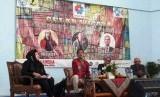 Unindra mengadakan gelar wicara tentang evakuasi Pendidikan Bahasa dan Sastra Indonesia.
