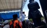 Ustaz Bachtiar Nasir berceramah di Lapang Kerkof, Garut, Jawa Barat, Sabtu (11/11) dalam kegiatan Tabligh Akbar.