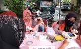 Uwais Hijab dan Rumah Zakat gelar pemeriksaan kesehatan gratis.