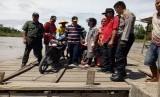 Wagub Sumbar Nasrul Abit kunjungi daerah tertinggal di Nagari Tiagan Kecamatan Kinali Pasaman Barat,  Sabtu (12/8).