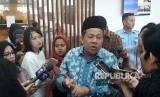 Wakil Ketua DPR, Fahri Hamzah memberikan keterangan pers terkait isu terkini kepada media di Komplek Parlemen, Senayan, Jakarta, Jumat (2/2).