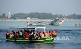 Aktifitas warga Kepulauan Seribu menggunakan ojek kapal dari satu pulau ke pulau yang lain (ilustrasi)