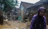Sebanyak 807 rumah warga Kabupaten Lebak, Banten, yang terdampak bencana banjir bandang dan longsor akan direlokasi (Foto: suasana pascabanjir Lebak)