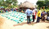 Warga Uganda rayakan penyembelihan hewan kurban yang datang dari Indonesia sebagai bagian dari program Kurban 4 Negara yang diinisiasi International Networking for Humanitarian (INH).
