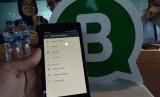 Whatsapp mengklaim aplikasi ini tidak bisa diretas karena dilindungi enkripsi.