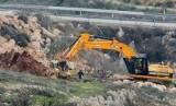 Wilayah Palestina di Tepi Barat yang diduki Israel. Rencananya wilayah tersebut akan dibangun perumahan yang artinya Israel bakal membangun permukiman baru di tanah Palestina