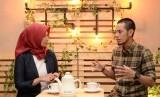 Willy Kurniawan (kanan) bersama jurnalis Republika Yeyen Rostiyani di program iMpresi, Republika TV