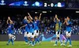 Tim Napoli berselebrasi usai kemenangan atas Liverpool di LIga Champions.
