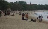 Wisata Pantai (ilustrasi)