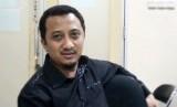 Ustadz Yusuf Mansur mengajak umat Muslim bersama-sama dalam Gerakan Sedekah Nasional guna menghadapi pandemi covid-19.